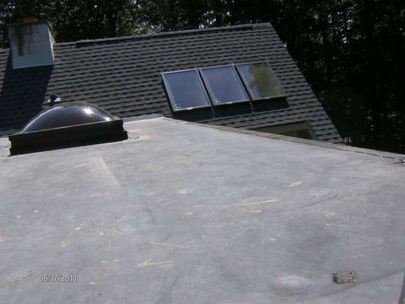 RESIDENTIAL FLAT ROOF SKYLIGHTS ON FLAT ROOF