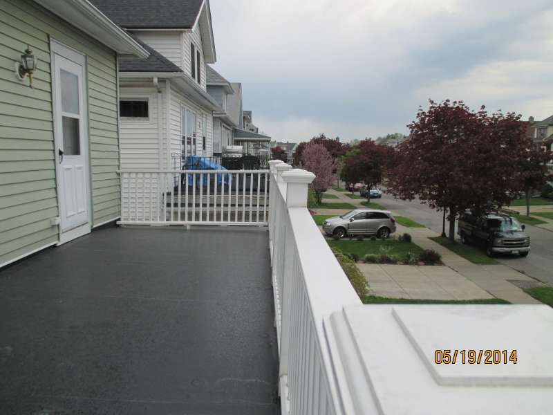 Residential Flat Roof Contractors Try Lock Roofing Inc